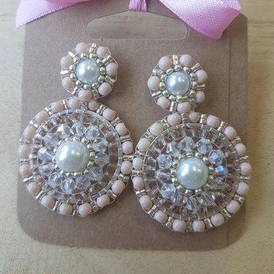 Oorstekers met barok oorhangers pink, handmade