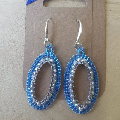 Zilveren oorhangers ovaal blauw-zilver