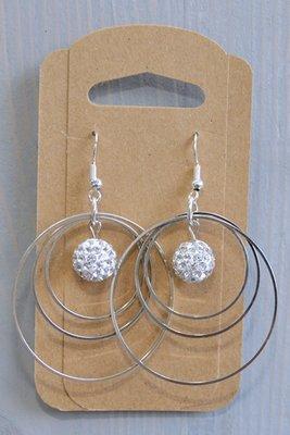 Oorhangers zilveren ringen met kristalballetje