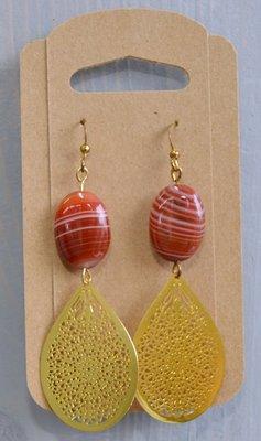 Oorhangers goud met agaat en hanger