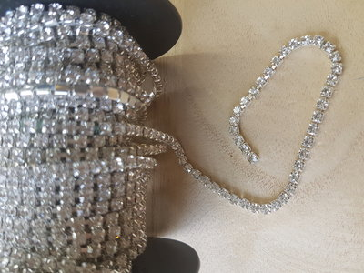 Strasskoord met kleine glaskristal 4mm kristal
